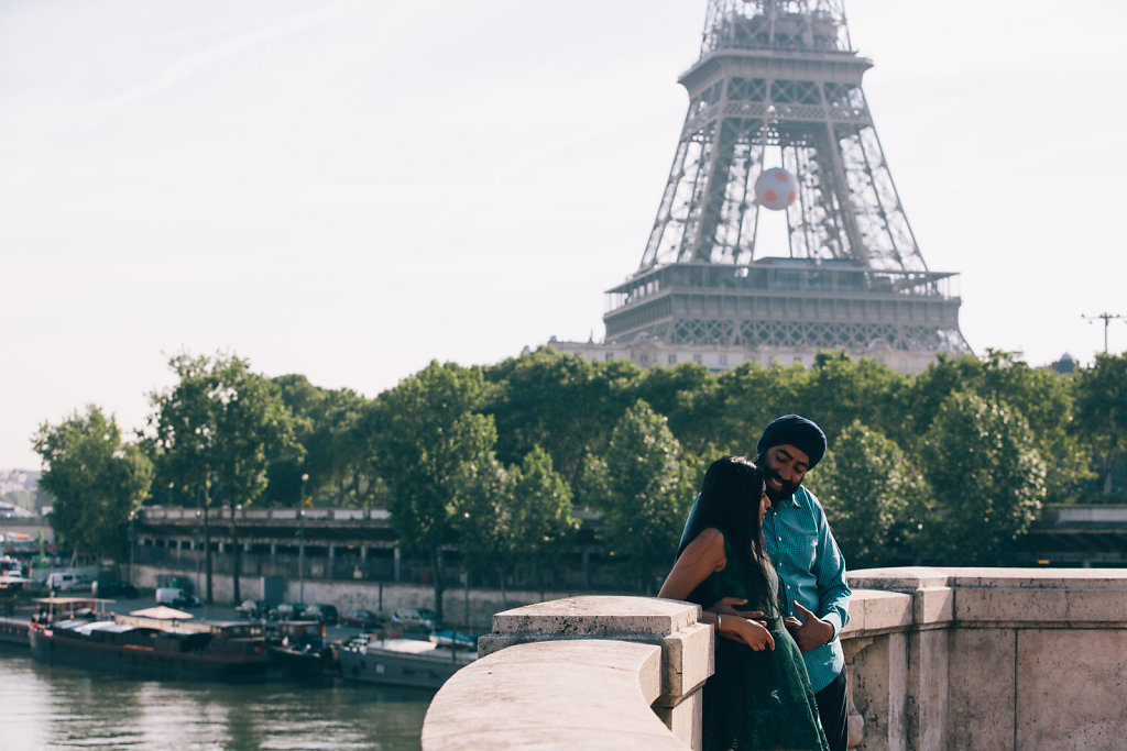 couple-photographer-paris-051.jpg